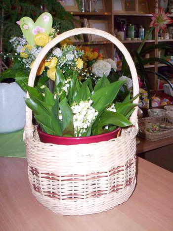 Košík lze využít jako ozdobný květináč